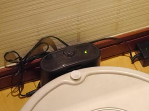 専用充電器、電源コード、端子の破損に注意